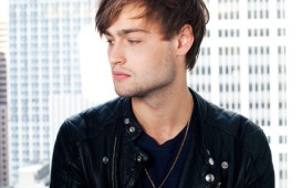 douglas-booth-hairstyles-2015-side-view-480x300