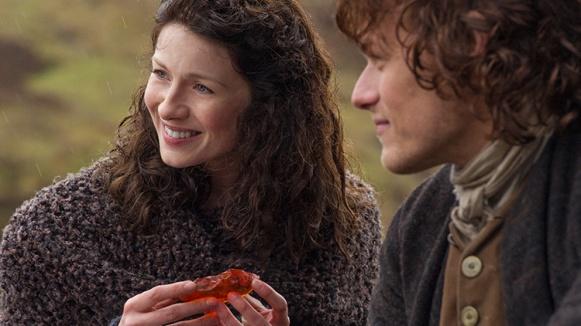 outlander-season-1-midseason-finale-both-sides-now-claire-jamie-fraser-starz
